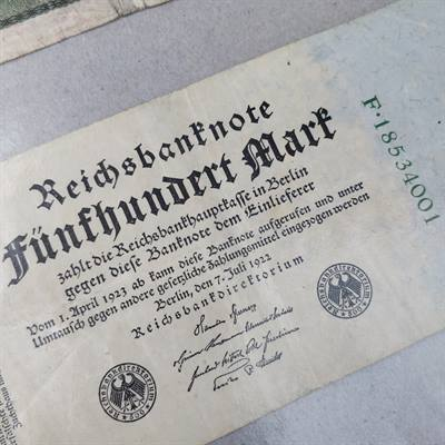 500 og 10000 mark Reichsbanknote.
