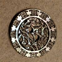 22 mm. Perlemors knap. Mother of pearl button.