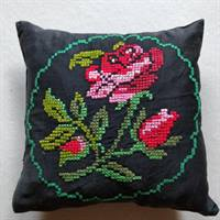 broderet pude sofa cushion retro vintage boligindretning